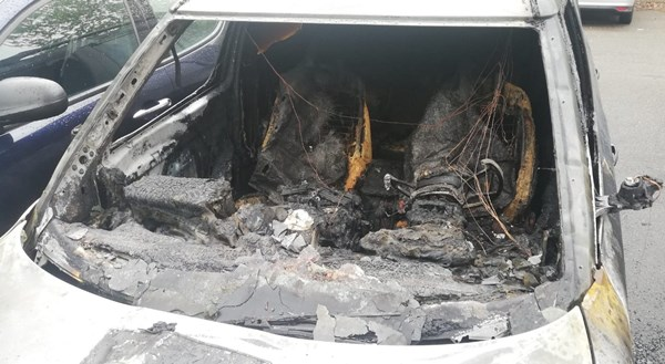 auto co parabrezza distrutto demolizione auto
