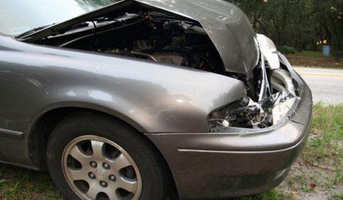 davanti macchina bocciato demolizione auto