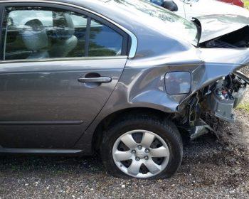 retro auto distrutto demolizione auto